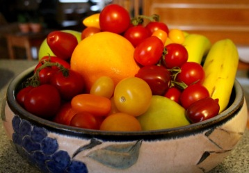 Post 56 Tomatoes in Fruit Bowl