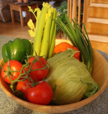 Post 56 Tomatoes in Salad Bowl